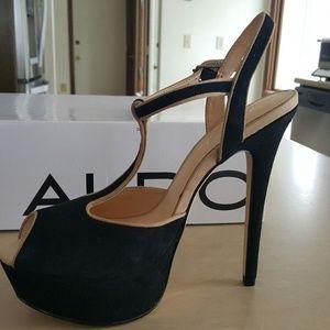 Aldo Shoes - Aldo Detamble gorgeous t-strap platform heels 37